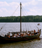 20. Ладья викингов.